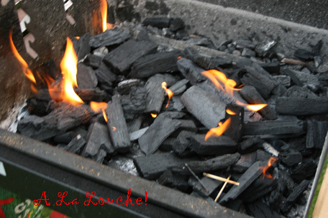 Barbecue_charbon_faire_de_la_brai_7